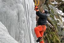 Na ledové stěně ve Víru.
