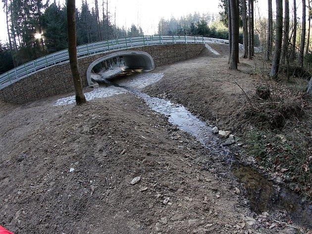 Loseničku překryl nový most, je konec dlouhé objížďky
