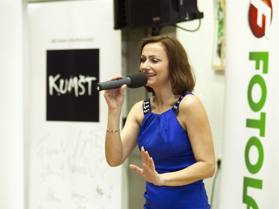 Na finálovém večeru vystoupila zpěvačka a herečka Jana Musilová.