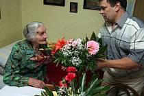 Ludmila Votavová z Borovnice se narodila v roce 1908 a ve čtvrtek 25. září se dožije sta let.