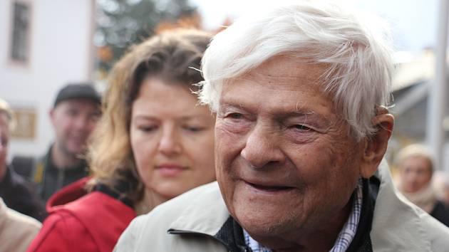 Zemřel novoměstský rodák Jiří Brady