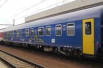 Vagon se siluetou žďárské památky UNESCO i s názvem města brázdí značnou část Evropy.