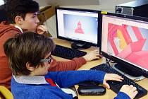 Unikátní virtuální 3D studii kostela sv. Jana Nepomuckého na Zelené hoře coby výsledek téměř půlroční práce vytvořili studenti žďárské průmyslovky na novém školním pracovišti virtuální reality.