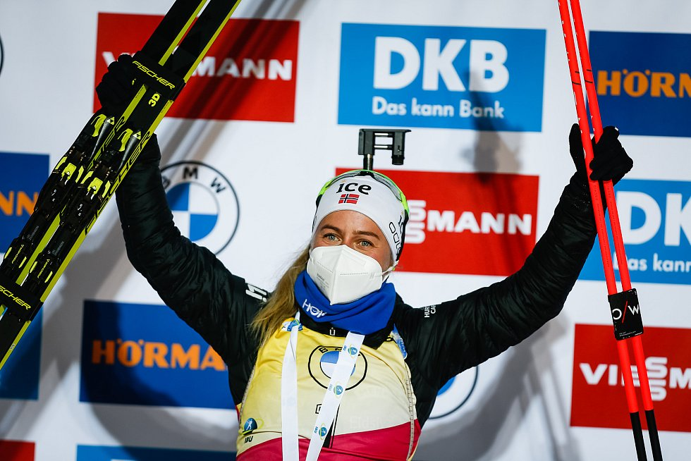 Tiril Eckhoffová vítězka v závodu Světového poháru v biatlonu - stíhací závod žen na 10 km.