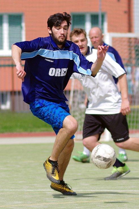 První červnová sobota nabídla na hřišti za 2. základní školou další kolo Žďárské ligy malé kopané.