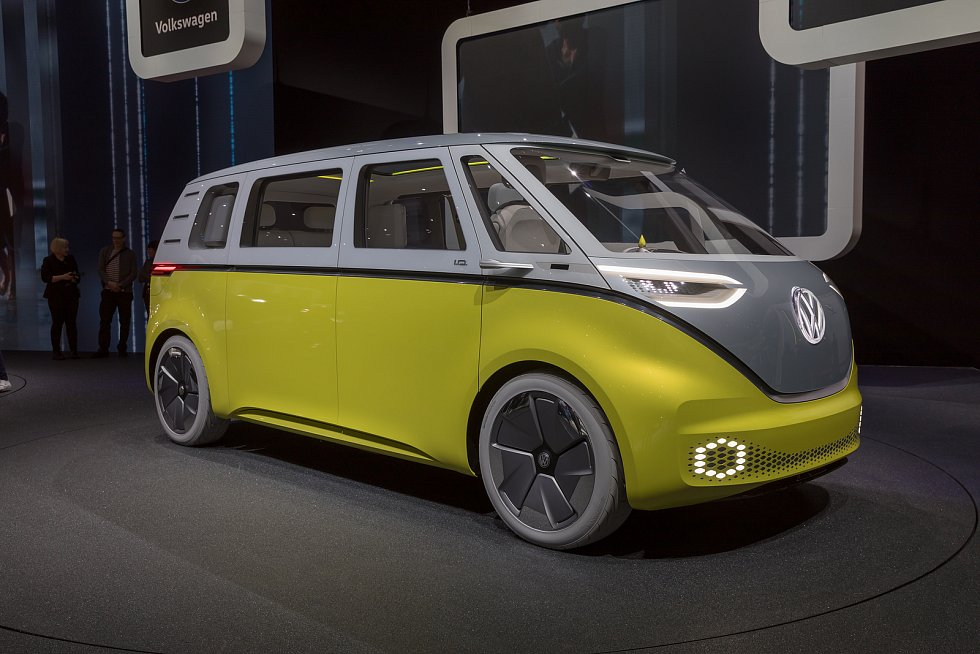 Na výrobě nového elektrického minivanu Volkswagen ID. Buzz se podílejí i čeští inženýři.