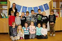 Na fotografii jsou žáci první třídy paní učitelky Ivy Pavelkové ze Základní školy v Hamrech nad Sázavou.  Příště představíme prvňáčky ze ZŠ v Křídlech.