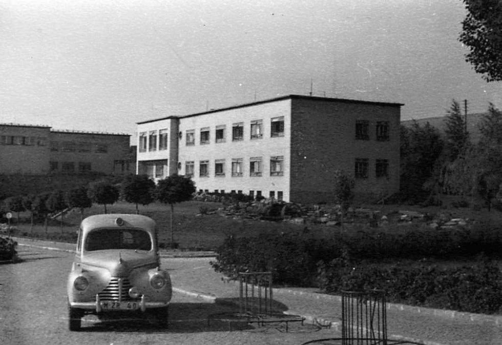 Neurologie a infekční v roce 1955.