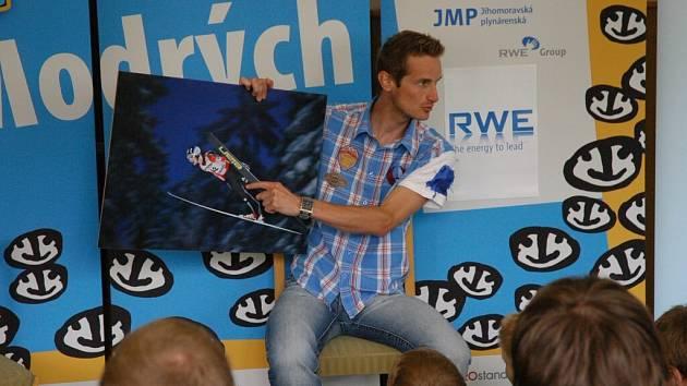 Vítěz Turné čtyř můstků a dvojnásobný medailista z mistrovství světa Jakub Janda besedoval nejen na sportovní téma.