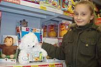 O víkendu vyrazila na vánoční nákupy se svými rodiči i Veronika Kusá ze Žďáru nad Sázavou. Nejvíce se jí líbilo v oddělení hraček.