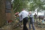 Vzpomínková akce začíná u památníku padlých na kopci Metodka.