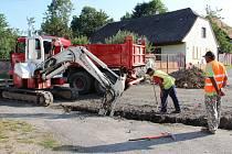 Zcela uzavřená je silnice z Vojnova Městce ve směru na Hlinsko, až po Rychtářku. Důvodem je kompletní renovace povrchů komunikace třetí třídy číslo 03426.