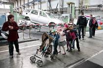Tisíce lidí včera opět po roce nahlédly za brány žďárského podniku Žďas.