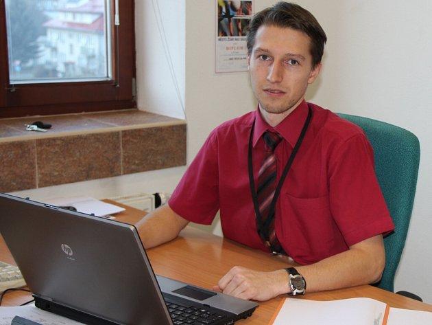 Cena za jízdné bude deset korun, poloviční jízdné bude stát pět korun. Říká to vedoucí finančního odboru městského úřadu v Novém Městě Tomáš Vlček.