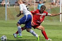 Velké Meziříčí (v červeném kapitán Jaroslav Krejčí) v úvodním kole MSFL porazilo Líšeň, která je farmou Zbrojovky Brno. Nyní ho čeká zápas samotným prvním výběrem.