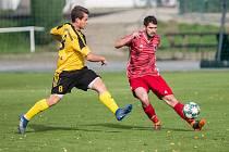 Kádr fotbalistů Bystřice nad Pernštejnem (v červeném) pronásledují v posledním období nepříjemná zranění.