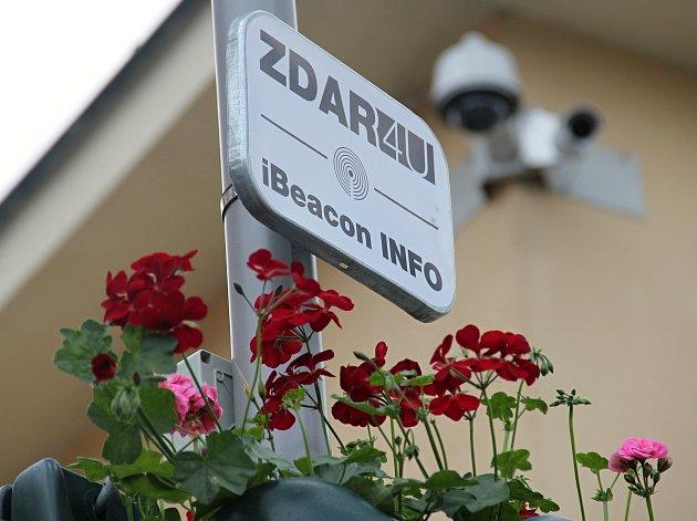 Vysílače jsou umístěny na sloupech veřejného osvětlení.