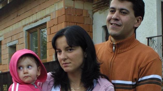 Libor Broža a Jaroslava Trojanová z Jabloňova na Žďársku se dnes poprvé setkali s vlastní dcerou.
