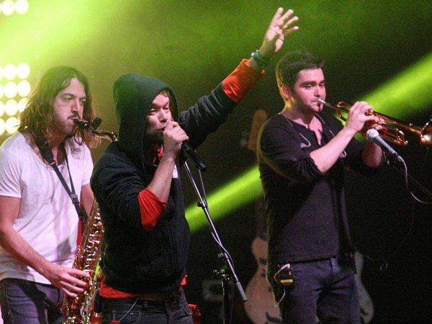 Kapela Kryštof veze do Herálce velkou koncertní show. Na Žďársku ukončí své klubové tour, které začalo již loni na podzim a po velkém úspěchu si fanoušci vyžádali jarní pokračování.