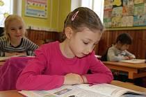 Ve středu 29. listopadu pokračuje ve Žďárském deníku nový seriál Naši prvňáci. Představí se žáci ze ZŠ v Pohledci.