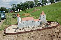 Nově návštěvníci uvidí hrady Dalečín a Louka.