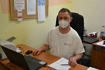 Vladimír Jindra ze Zvole je sociálním pracovníkem v charitní pečovatelské službě Oblastní charity Žďár nad Sázavou.