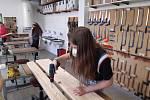 Nově renovované lavičky základní školy Palachova