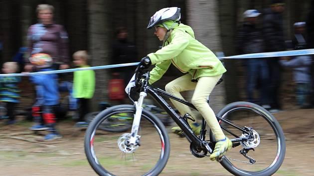 Dětské závody při Světovém poháru horských kol v Nové Městě na Moravě.