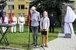 Slavnostního odhalení plastiky Lva od Vincence Makovského coby připomínky stého výročí vzniku Československé republiky se zúčastnily více než dvě stovky lidí.