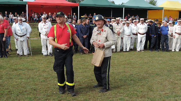 hasiči a koňky v Jámách