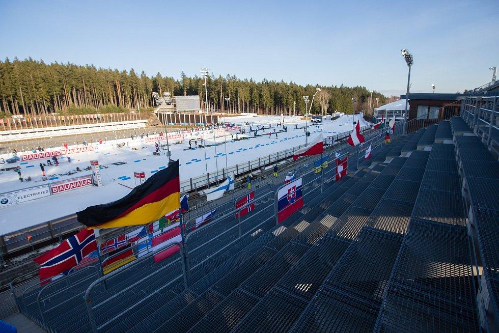 Prázdné tribuny ve Vysočina areně.