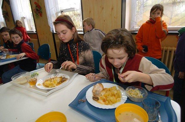 Základní škola může mít novou kychyni s jídelnou.