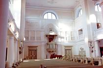 Interiér evangelického kostela v Novém Městě.