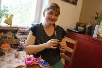 Ivona Nečasová ze Žďáru šije hračky pro děti.