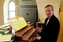 V rámci letošního koncertu zahraje na varhany Jaroslav Tůma, scénický tanec zase předvede tanečnice Adéla Srncová.