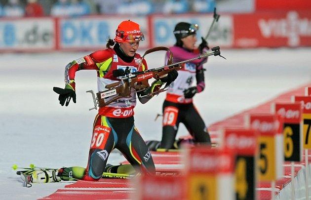 Mistrovství světa v biatlonu – NMNM – 9. 2. 2013 – sprint ženy. Na snímku s číslem 50 Češka Veronika Vítková.