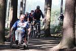 Do novoměstského sportovního areálu míéří v letní sezoně cyklisté i vozíčkáři.