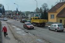 Na silničním průtahu Velkým Meziříčím začne od devatenáctého května rozsáhlá rekonstrukce.