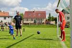 Osmnáctý ročník soutěže v kopání penalt proběhl poslední červnovou sobotu v Počítkách na Žďársku.