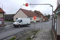 Křížení silnice II/602 a II/379 ve Velké Bíteši.