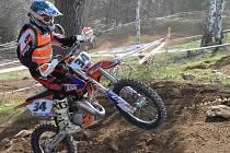 Jaroslav Novák mladší patří ve své kategorii k nejlepším motocyklovým závodníkům v republice.