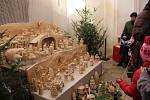 Každou z desítek figurek žďárského betléma vyřezal někdo jiný. Betlém je o vždy Vánocích k vidění v kostele svatého Jana Nepomuckého na Zelené hoře, prohlídka kostela je při té příležitosti zdarma.