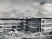 Hlavní pavilon - hrubá stavba - v letech 1938-39.