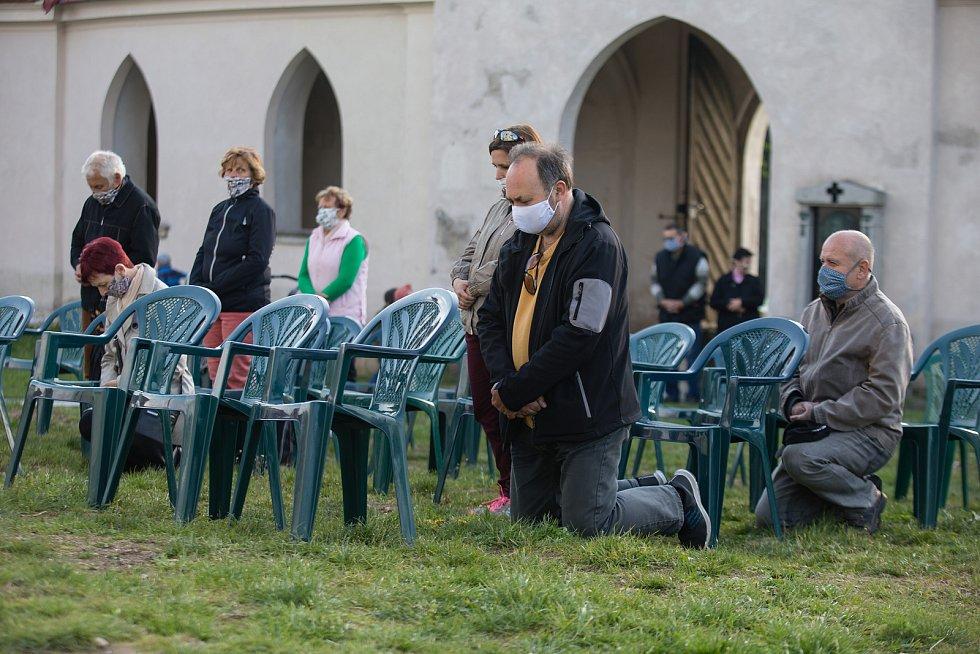 Poutní mše v kostele svatého Jana Nepomuckého na Zelené hoře u Žďáru nad Sázavou.