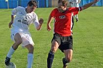 Fotbalisté Boroviny (ve světlém) to na svém hřišti umí. Dvěma soupeřům ze Žďárska nastříleli dohromady úctyhodných dvacet gólů!