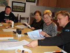 Spělkovští volili v budově místního obecního úřadu.