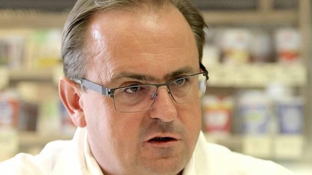 Jaroslav Tvarůžek, specialista na robotickou chirurgii, v čele Centra robotické chirurgie v nemocnici svaté Zdislavy v Mostištích stojí od jeho vzniku v roce 2007.