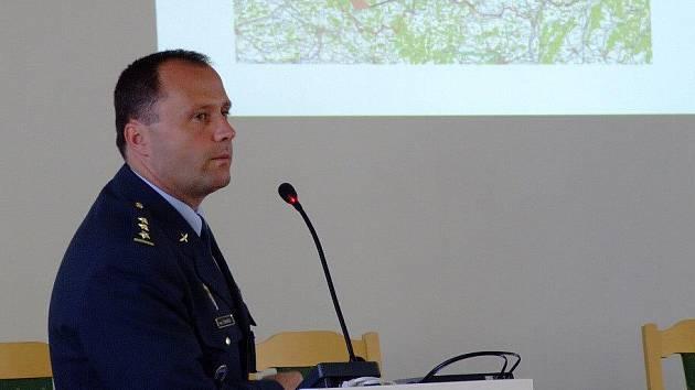 Lidé, kteří se ve Žďáře zúčastnili setkání s letci z Čáslavi, se mohli dozvědět podrobnosti o poslání základny taktického letectva , jejím vybavení nebo výcviku pilotů.
