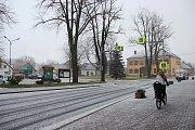 K absenci elektrického proudu se ještě přidaly první sněhové vločky. Foto: Deník/Lenka Mašová