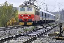 Stavbaři dokončili rekonstrukci železničního úseku mezi Skleným nad Oslavou a Ostrovem nad Oslavou. V modernizovaném koridoru mohou vlaky jezdit rychleji.